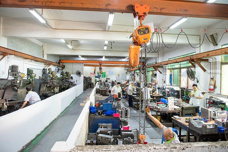 东莞市世邦塑胶模具厂家模具车间