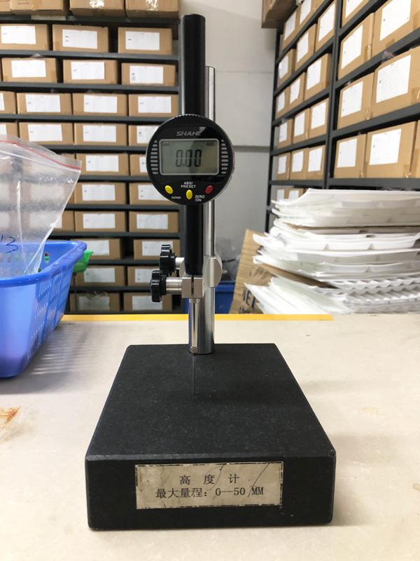 世邦塑胶-高度计