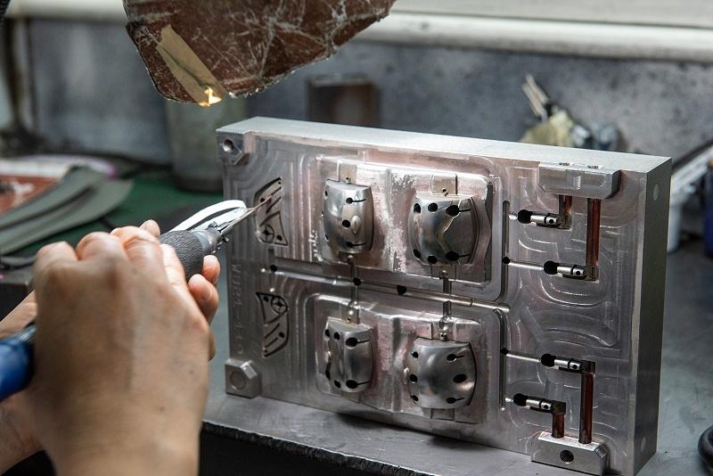 世邦注塑开模钢材选择